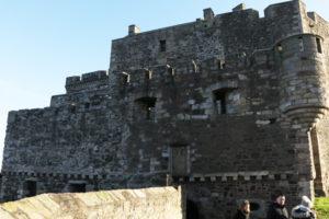 "<img src=""blackness-castle.png"" alt=""замок блэкнесс"">"
