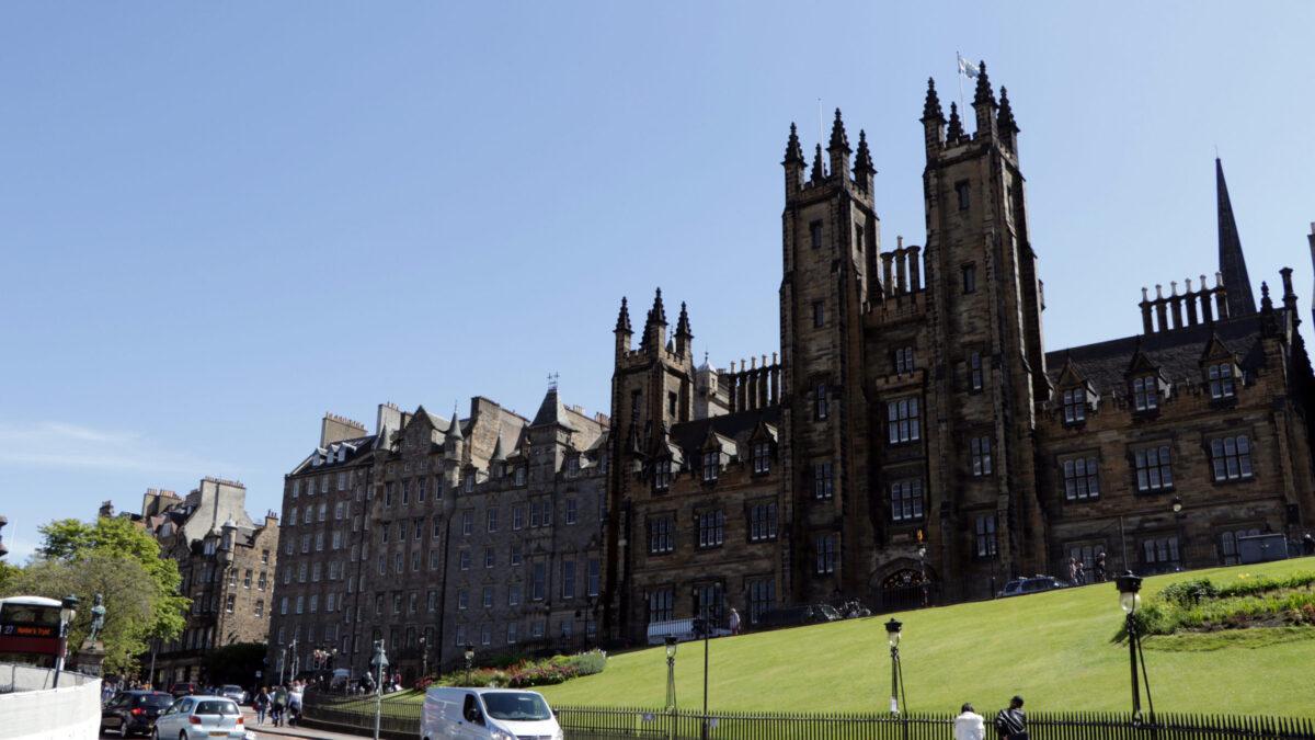 архитектура эдинбурга, эдинбург столица шотландии, средневековая архитектура, прогулки по эдинбургу, фотозарисовка,